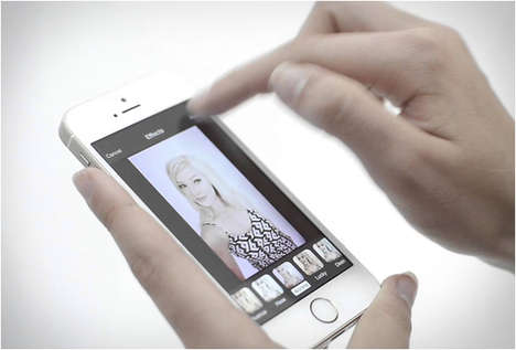 Handfree Selfie Apps - The GoCam App Turns Selfies into Portraits Through Gesture Control
