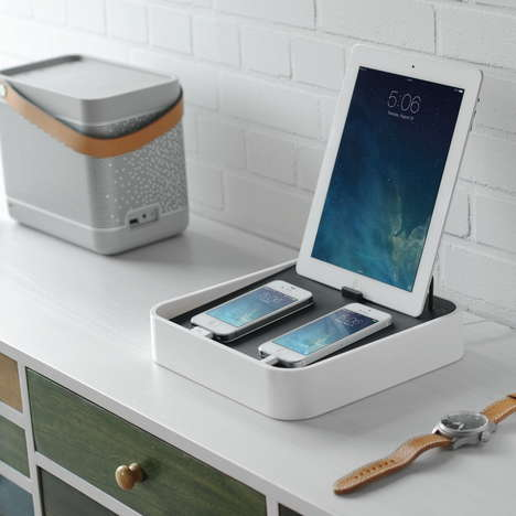 Multi-Tech Battery Pods - Bluelounge's Sanctury4 Charging Station Fits Any Phone or Tablet