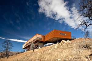 The Sunshine Canyon Residence Offers Mountain Views