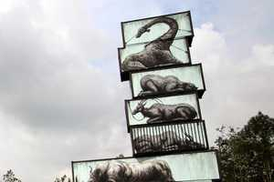 ROA's Street Art Animals Live on the Sides of Shipping Containers
