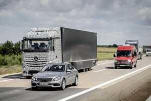 Daimler's Future Truck 2025 Project is Testing Autonomous Trucks
