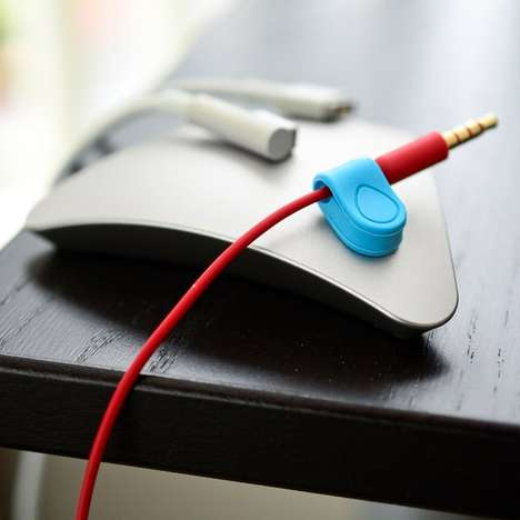 Magnetic Cable Storage - The MOS Magnetic Organization System Keeps Track of All Your Cables