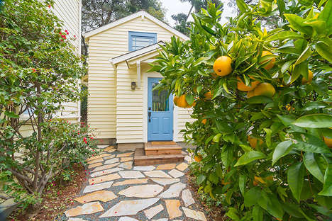 Space-Saving Backyard Cottages - Urban Sustainability and Smart Growth is the Goal of This Concept