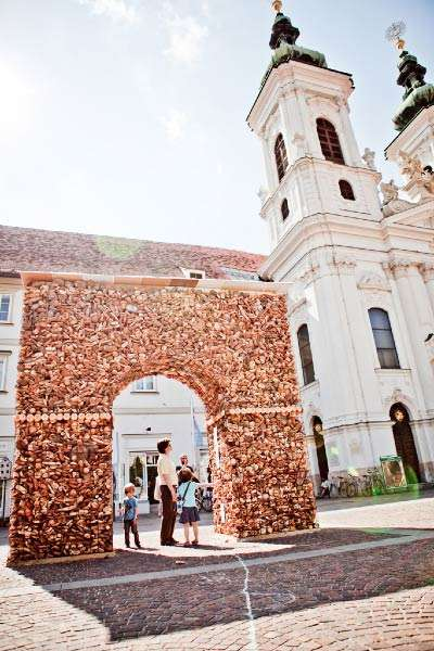 Historical Bread Monuments - This Arc de Triomphe Made from Uneaten Bread Depicts Food Waste