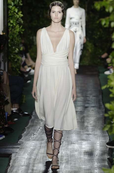 Garden Princess Couture - The Valentino Fall 2014 Haute Couture Collection Channels Greek Goddess