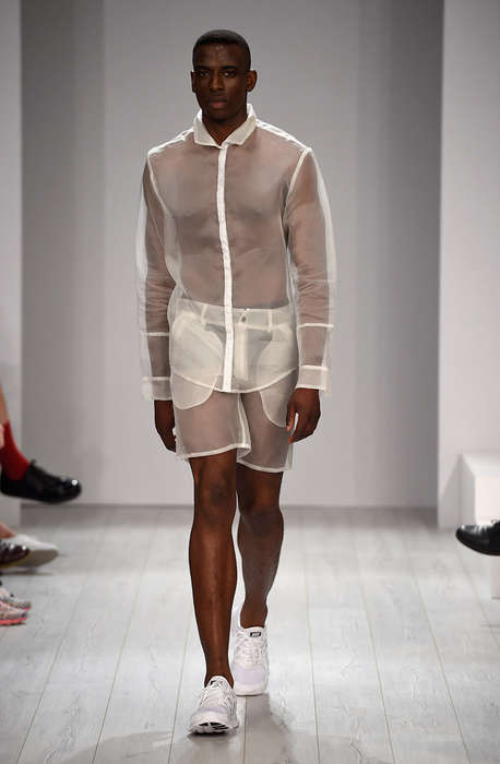 Transparent Minimalism Runways - The VEKTOR Spring/Summer 2015 Collection is Youthfully Modern