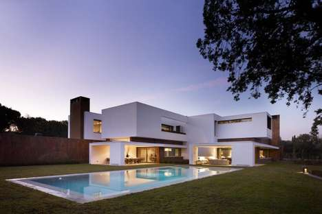 Sleek Spanish Abodes - DHAL & GHG Architects Designed a Spectacular House in la Moraleja