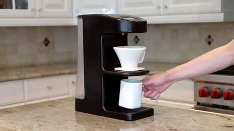 Cold Coffee Makers - The Invergo Coffee-Maker Improves Extraction and Serves Cold Coffee