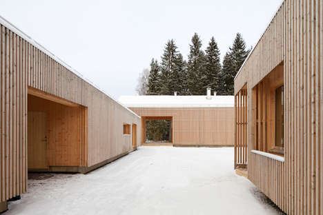 Slatted Facade Abodes - The House Riihi in Finland Focuses Around a Central Courtyard