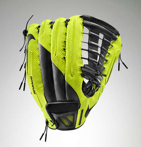 Flexible Baseball Gloves - The Nike Vapor 360 Instantly Fits to Your Hand