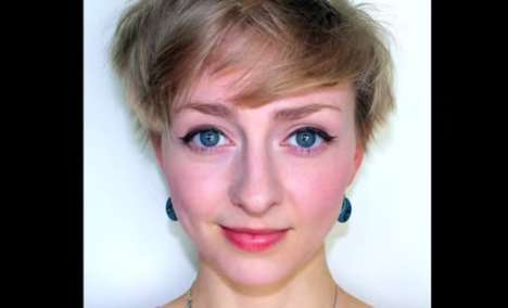 Time-Lapse Selfie Videos - Rebecca Brown TakesCondenses 6 1/2 Years into One Touching Video