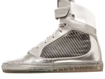 Metallic Moon Sneakers - GE and JackThreads Have Released High-Tech Shoes Inspired by Apollo 11
