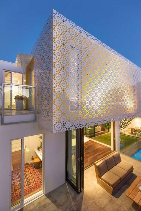 Florally Screened Homes - This Modern Family Residence Features a Box Extension