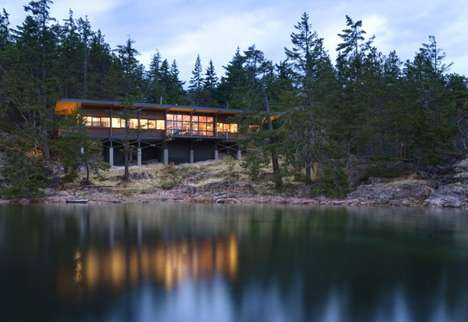 Cantilevered Cliffside Homes - The Cortes Island House is Precariously Located