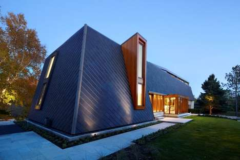 Ranch-Roofed Abodes - BORTOLOTTO Designed a Contemporary Home in Canada