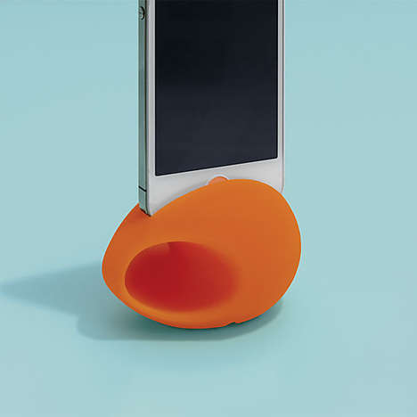 Bulbous Mobile Speakers - The Meggabeat iPhone 5 Amplifier is a Small Product with Big Sound