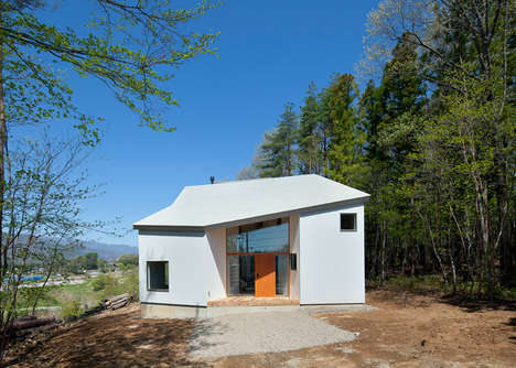 Multi-View Mountain Homes - This Irregularly Shaped Home Offers Seven Viewpoints