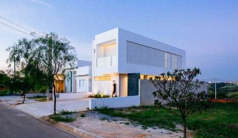 Space-Bending Minimalist Homes - This Family Home Keeps it Simple and Spacious