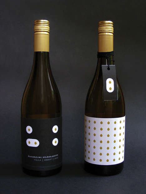 Minimalist Grape Wine Packaging - Dulovalogatas Wine Shows the First Step of Wine Production
