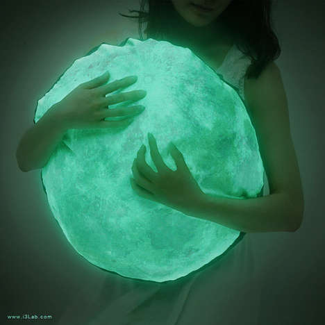 40 Lunar Design Finds - These Celestial Furnishings and Fashions Celebrate the Supermoon