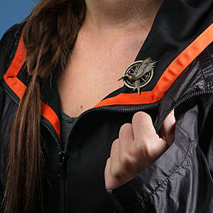 Cinematic Tribute Brooches - This Realistic Mocking Jay Pin is Ideal for Fans of the Hunger Games