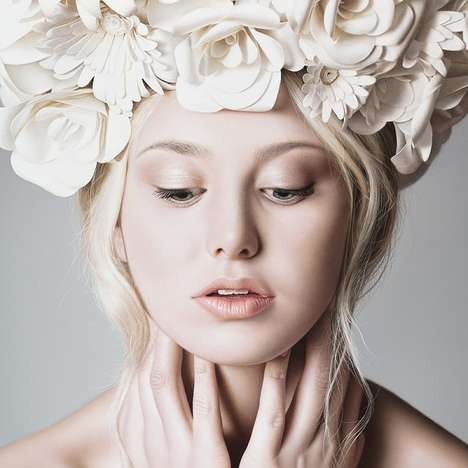 Hyper-Realistic Artworks - Anna Halldin Maule's Paintings of Beautiful Women Resemble Photos