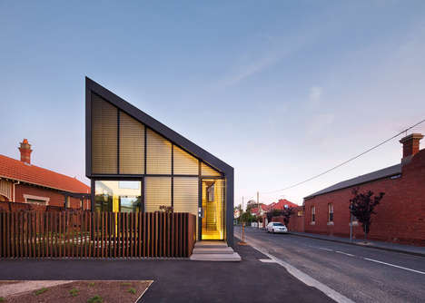 Angular Victorian Residences - This Melbourne Home Features a Glowing Wall