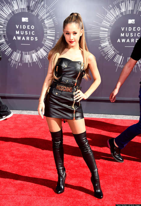 51 Memorable Red Carpet Looks - These VMA Red Carpet Fashion Moments Range from Chic to Shocking