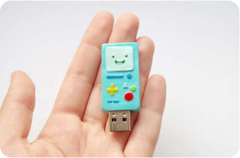 Gamer Console USBs - This Adorable USB Port Looks Like a Miniature Nintendo Game Boy Color