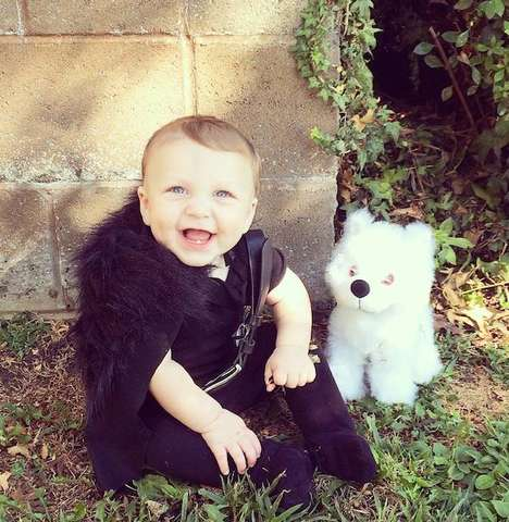 Fantasy Baby Cosplays - This Jon Snow Game of Thrones Cosplay Stars an Adorable Baby