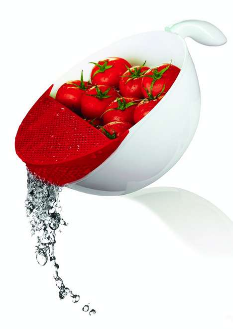 Strainer Washing Bowls - The Soak and Strain Washing Bowl is Ideal for Cleaning Fruits and Veggies