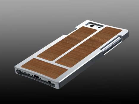 Unreleased Smartphone Accessories - EXOvault Releases a Sleek iPhone 6 Case Before the Phone is Sold
