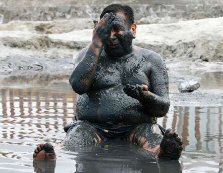 Bizarre Alternative Medicine - From Mud Baths to Eating Tree Frogs