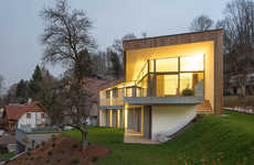 The House T in Austria Changes as One Walks Around the Outside