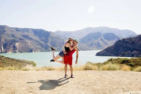 Wanderlust Kissing Photography - This Couple Re-Created a Spontaneous Kiss Around the World