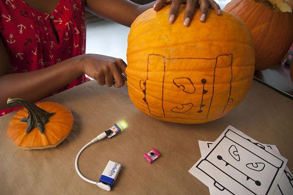 Top 35 DIY Ideas in October