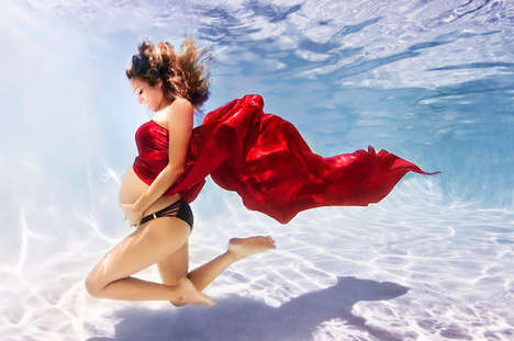Underwater Pregnancy Photography - These Aquatic Pregnancy Portraits Offer a Beautiful Perspective