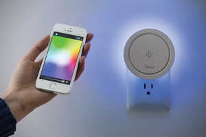The Leeo Smart Alert Nightlight Alerts You If the Smoke Alarm Goes Off