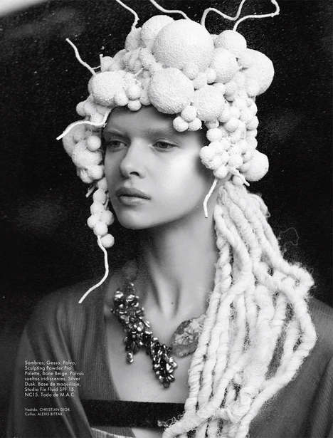 Conceptual Headpiece Editorials - Elle Mexico's Coexistencia Story Boasts Avant Garde Accessories