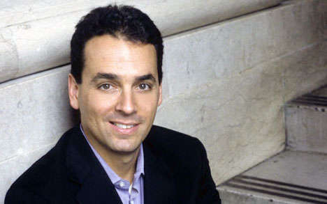 Embracing Salesmanship - Daniel Pink's Salesperson Talk Explains How We're All Selling Something