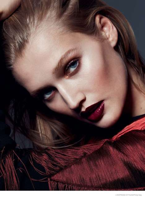 Party-Ready Cosmetics - The L'Express Styles Elsa Durrens Photoshoot Reveals Festive Make Up Looks