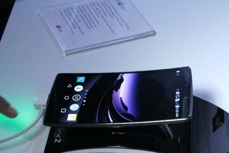 Curved Smartphones - The Flexible LG G Flex 2 is Grabbing Eyeballs at CES 2015
