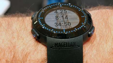 Sporty Tracking Smartwatches - The Magellan Echo Fit Made an Appearance At CES 2015