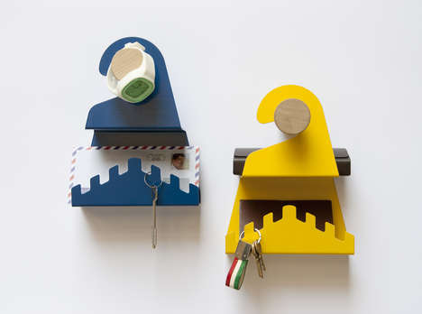 Letter-Holding Knob Hangers - The Hanging Portalettere Eliminates the Need for a Door-Side Table
