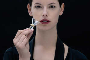 Dior's Fragrance Samplers Do Away with Wasteful Paper Strips