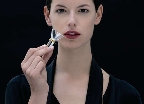 Glass Fragrance Testers - Dior's Fragrance Samplers Do Away with Wasteful Paper Strips