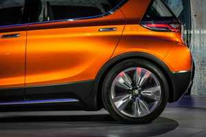 The Chevrolet Bolt EV Concept Costs Only Around $30,000