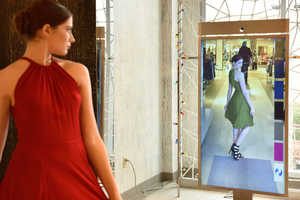 Neiman Marcus' Memory Mirror Digitally Compares Outfits