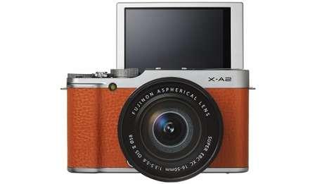 Elegant Selfie Cameras - The Fujifilm X-A2 Helps You Grab Better Selfies