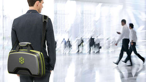 Partitioned Travel Bags - Accordia Case Keeps Possessions Compartmentalized for Easy Security Checks